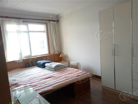 荣泰公寓-卧室
